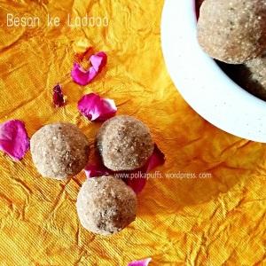 Besan ke Laddoo / gram flour fudge, Indian sweets, easy Laddoo recipes