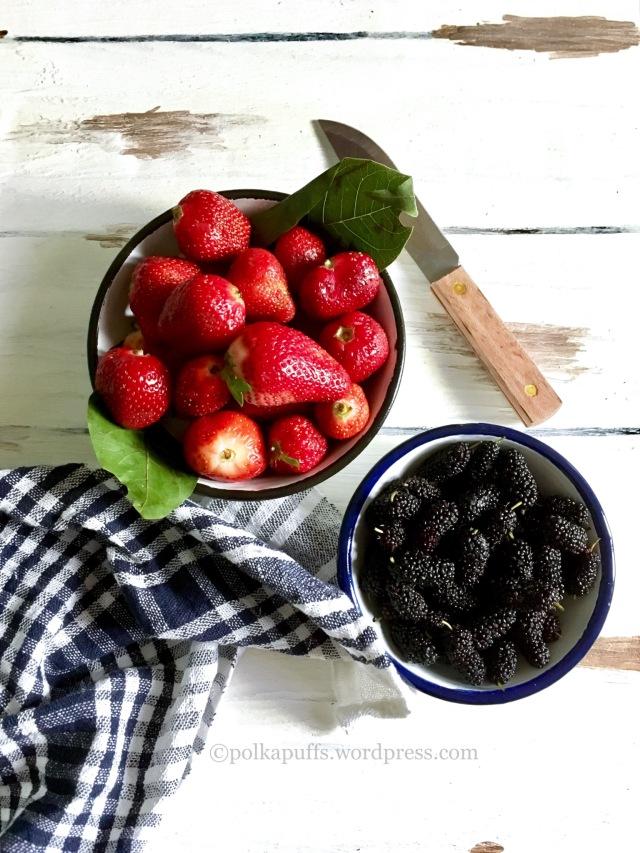 3 ingredient strawberry jam 3 Ingredient mixed berries jam Homemade strawberry jam recipe Polkapuffs recipe No pectin strawberry jam recipe No pectin jam recipe Mulberry jam recipe How to make jam at home without pectin