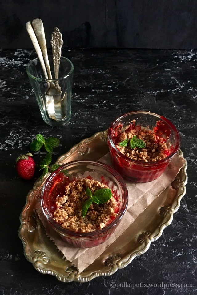 Strawberry crumble recipe Recipe for Glutenfree strawberry crumble Polkapuffs recipes Shreya tiwari recipes Food photography Rustic props