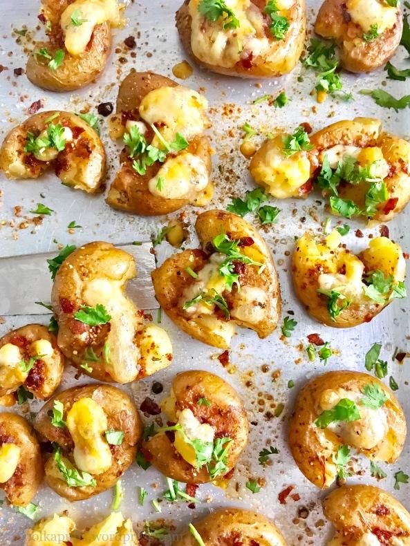 Garlic cheese smashed potatoes Gluten free meals in 30 mins Polkapuffs recipe Polkapuffs Shreya Tiwari recipe Shreya Tiwari Photography Vegetarian appetisers